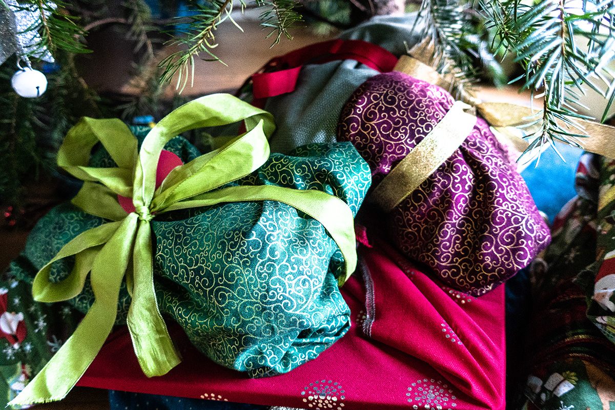 Green Your Holidays with Fabric Wrapping Paper